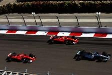 """""""Mercedes"""" ir """"Ferrari"""" bolidų palyginimas (VIDEO)"""