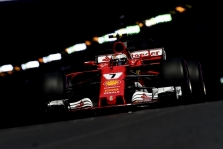 """Monake """"pole"""" poziciją iškovojo K. Raikkonenas, L. Hamiltonas tik 14-as"""