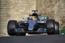 """Azerbaidžane vykusioje kvalifikacijoje """"pole"""" iškovojo L. Hamiltonas"""