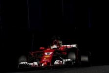 Martinas Brundle: Vetteliui labai pasisekė