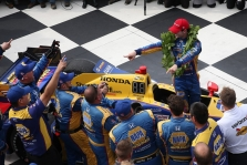 IndyCar. Pocono ovale dominavo A. Rossi