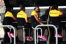 """C. Abiteboulas: taškus iš """"Racing Point"""" reikia atiminėti kiekvienose lenktynėse"""