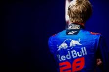 """""""Toro Rosso"""" gali atleisti Brendoną Hartley?"""