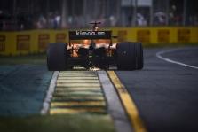 """Problemos bandymuose privertė """"McLaren"""" atidėti bolido tobulinimus"""