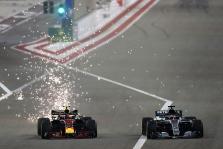 """""""Mercedes"""" paaiškino priežastis, kodėl pralaimėjo Kinijos GP etape"""