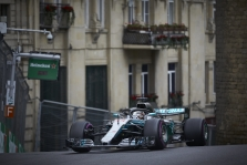L. Hamiltonas: pasistengsiu apsunkinti gyvenimą S. Vetteliui