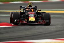 Pirmąją  bandymų dieną Barselonoje greičiausias M. Verstappenas