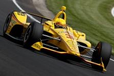 """IndyCar. """"Indy 500"""" kvalifikacijoje greičiausias H. Castronevesas, o J. Hinchcliffe'as liko už borto"""