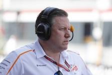 """Z. Brownas: """"McLaren"""" komandoje F. Alonso laisvos vietos nėra"""