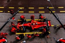 """F. Massa: """"Ferrari"""" nesusitvarko su spaudimu"""