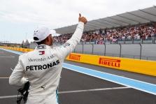 """Čempionas lieka: """"Mercedes"""" pratęsė sutartį su L. Hamiltonu"""