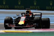 D. Ricciardo: važiavau su apgadintu bolidu