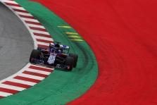 """""""Red Bull"""" pareiškė, kad neaukos """"Toro Rosso"""" rezultatų dėl """"Honda"""" progreso"""