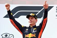 M. Verstappenas mano, kad jie galės kovoti dėl titulo 2020 metais