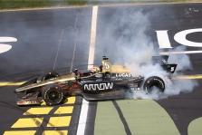 "<span style=""background:#3f3f3f; color:white; padding: 0 2px"">IndyCar</span> Ajovoje pirmąją pergalę sezone iškovojo J. Hinchcliffe'as"