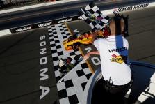 IndyCar. R. Hunteris-Reay'us dominavo Sonomoje, S. Dixonas tapo čempionu