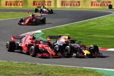M. Verstappenas: mašinos dugnas buvo pažeistas