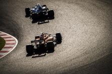 N. Mansellas: šių dienų pilotai nesužinos, ką reiškia pilotuoti tikrą bolidą