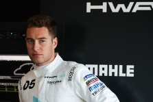 """S. Vandoorne'as dirbs su """"Mercedes"""" komandos simuliatoriumi"""