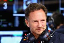 """""""Red Bull"""" nepasiruošusi iškeisti Verstappeno į Hamiltoną"""