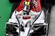 """""""Alfa Romeo"""" bandys užkamšyti tradicines """"Sauber"""" skyles"""