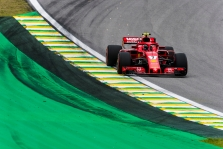 S. Vettelis neturėjo problemų su nurodymu praleisti K. Raikkoneną į priekį