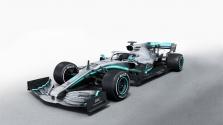 """""""Mercedes"""" pristatė ir išbandė naująjį W10"""