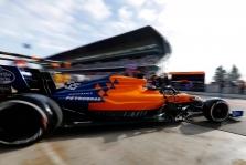 Trečiadienio rytą greičiausias buvo C. Sainzas, S. Vettelis sudaužė bolidą