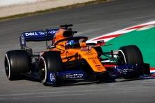"""C. Sainzas: """"McLaren"""" turėtų didžiuotis pirmos bandymų dienos rezultatais"""
