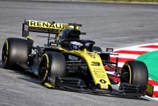 """D. Ricciardo liko patenkintas """"Renault"""" bolidu įveikiant ilgas distancijas"""