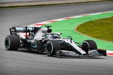 """""""Mercedes"""" išbando bolido konfigūraciją Melburnui"""