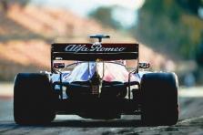 """""""Pirelli"""" paskelbė, kokias padangas komandos pasirinko lenktynėms Bahreine"""