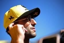 """D. Ricciardo: """"Red Bull"""" trokšta, kad M. Verstappenas taptų jauniausiu visų laikų čempionu"""