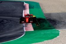 """Ferrari"" įvardijo S. Vettelio avarijos priežastį"