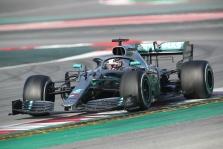 """L. Hamiltonas pasibaisėjo smunkančiu """"Formulės-1"""" populiarumu"""