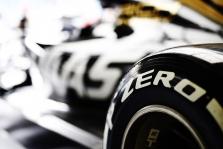 """""""Pirelli"""" paskelbė, kokias padangas F-1 etapui Kinijoje pasirinko komandos"""