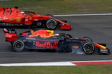 M. Verstappenas: S. Vettelis kovojo atkakliai, bet sąžiningai