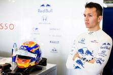 """A. Albonas: iškeisti """"Formulę-E"""" į """"Formulę-1"""" nebuvo sunku"""