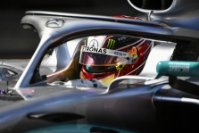 L. Hamiltonui - 3 starto pozicijų bauda
