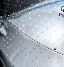 "Grafiniai elementai ant ""Mercedes"" bolidų - N. Laudai pagerbti"
