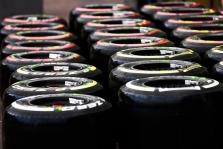 """""""Pirelli"""" sustabdė padangų F-1 gamybą"""