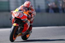 """<span style=""""background:#d5002c; color:white; padding: 0 2px"""">MotoGP</span> Mugello trasoje varžovus greičiu pranoko M. Marquezas"""
