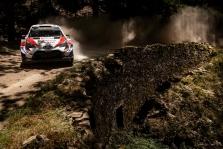 """<span style=""""background:#000000; color:white; padding: 0 2px"""">WRC</span> Portugalijos ralio lyderiu išlieka O. Tanakas"""