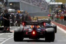 """""""Ferrari"""" ir """"Red Bull"""" nori susigrąžinti pernykštes padangas"""