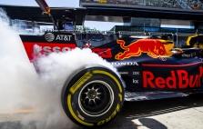 """""""Pirelli"""" siūlo naujas padangas bandyti lenktynėse"""