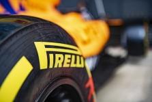 """""""Pirelli"""" tikisi dviejų sustojimų lenktynėse Silverstoune"""