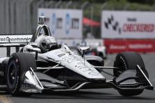 """<span style=""""background:#3f3f3f; color:white; padding: 0 2px"""">IndyCar</span> Toronte iš pirmos pozicijos startuos S. Pagenaud"""