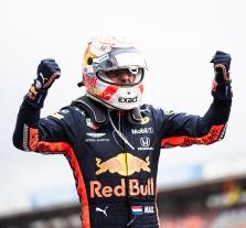 """M. Verstappenas: esu labai patenkintas iškovota pirma """"pole"""""""
