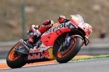 """<span style=""""background:#d5002c; color:white; padding: 0 2px"""">MotoGP</span> Čekijoje iš """"pole"""" pozicijos startuos M. Marquezas"""