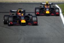 """""""Red Bull"""" ir """"Toro Rosso"""" pilotams - starto pozicijų baudos"""
